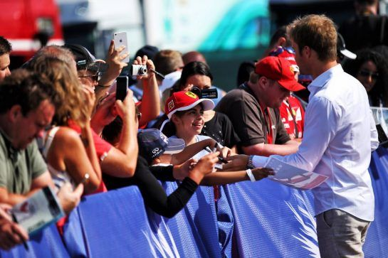 Nico Rosberg (GER) with fans. 07.07.2018. Formula 1 World Championship, Rd 10, British Grand Prix, Silverstone, England, Qualifying Day. - www.xpbimages.com, EMail: requests@xpbimages.com - copy of publication required for printed pictures. Every used picture is fee-liable. © Copyright: Batchelor / XPB Images