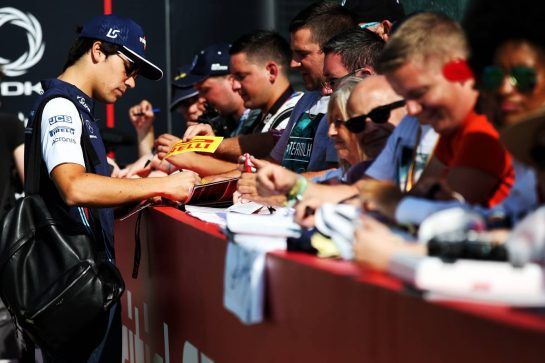 Lance Stroll (CDN) Williams signs autographs for the fans. 07.07.2018. Formula 1 World Championship, Rd 10, British Grand Prix, Silverstone, England, Qualifying Day. - www.xpbimages.com, EMail: requests@xpbimages.com - copy of publication required for printed pictures. Every used picture is fee-liable. © Copyright: Batchelor / XPB Images