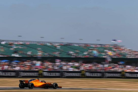 Fernando Alonso (ESP) McLaren F1 07.07.2018. Formula 1 World Championship, Rd 10, British Grand Prix, Silverstone, England, Qualifying Day.- www.xpbimages.com, EMail: requests@xpbimages.com - copy of publication required for printed pictures. Every used picture is fee-liable. © Copyright: Charniaux / XPB Images