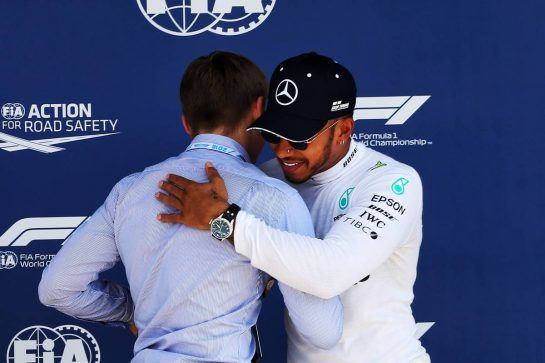 Lewis Hamilton (GBR) Mercedes AMG F1 receives the Pirelli Pole Position award from Billy Monger (GBR) Racing Driver. 07.07.2018. Formula 1 World Championship, Rd 10, British Grand Prix, Silverstone, England, Qualifying Day. - www.xpbimages.com, EMail: requests@xpbimages.com - copy of publication required for printed pictures. Every used picture is fee-liable. © Copyright: Photo4 / XPB Images