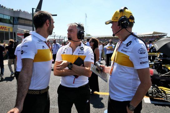 (L to R): Cyril Abiteboul (FRA) Renault Sport F1 Managing Director with Nick Chester (GBR) Renault Sport F1 Team Chassis Technical Director and Alan Permane (GBR) Renault Sport F1 Team Trackside Operations Director on the grid. 08.07.2018. Formula 1 World Championship, Rd 10, British Grand Prix, Silverstone, England, Race Day. - www.xpbimages.com, EMail: requests@xpbimages.com - copy of publication required for printed pictures. Every used picture is fee-liable. © Copyright: Charniaux / XPB Images