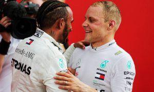 Lewis Hamilton (GBR) Mercedes AMG F1 celebrates in parc ferme with Valtteri Bottas
