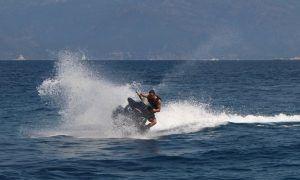 Alonso's holiday splash and dash