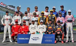 The drivers' start of 2018 season group photograph.