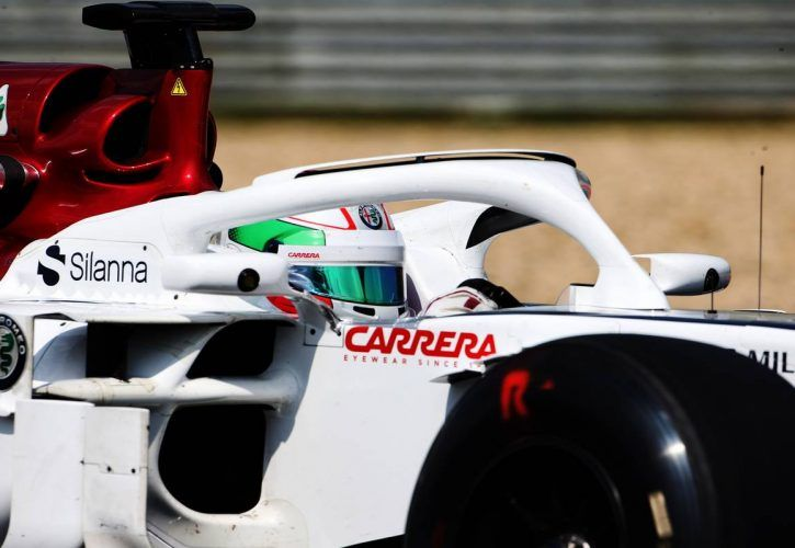 Russell sets the pace with new lap record | F1 | Formula One