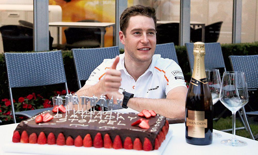 Stoffel Vandoorne (BEL) McLaren celebrates his birthday with a cake.