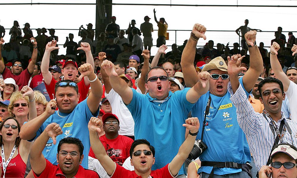 19.06.2005 Indianapolis, USA, The race fans give it a thumb down
