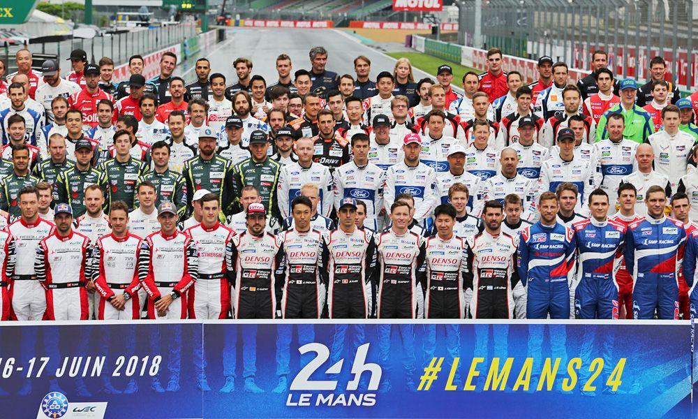 The drivers' group photo. 12.06.2018. FIA World Endurance Championship, Le Mans