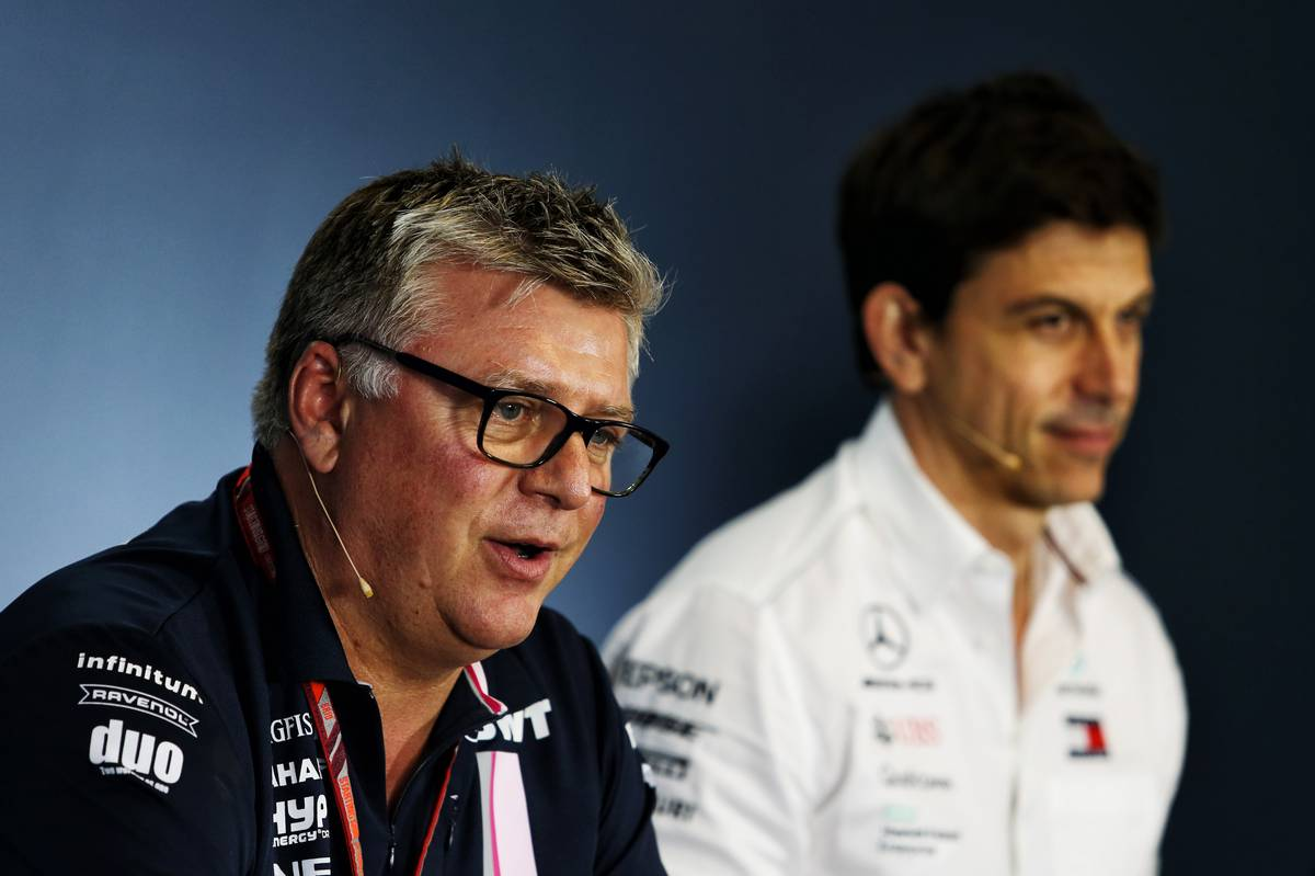 Otmar Szafnauer (USA) Sahara Force India F1 Chief Operating Officer and Toto Wolff (GER) Mercedes AMG F1
