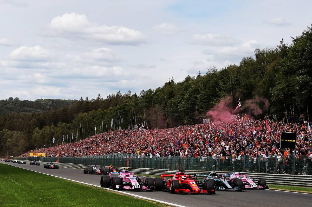 Belgian Grand Prix: Esteban Ocon (FRA) Racing Point Force India F1 VJM11; Sebastian Vettel (GER) Ferrari SF71H; Lewis Hamilton (GBR) Mercede